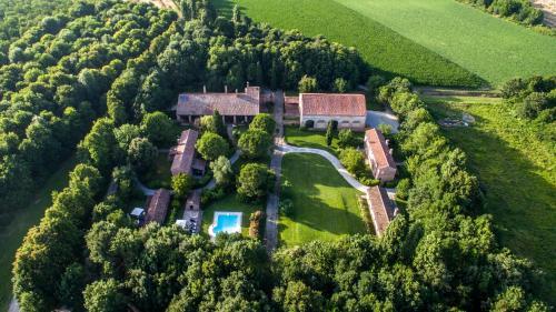 . Agriturismo Tenuta Castel Venezze
