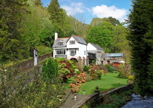 Glandwr Mill (Bed and Breakfast)