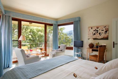 Habitación Doble con balcón  Hotel Nabia 5
