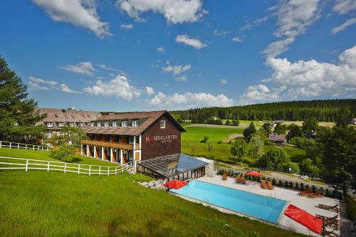Book luxury hotels near burgruine waldau k nigsfeld im for Designer hotel schwarzwald