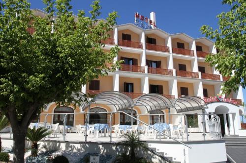 . Hotel Talao