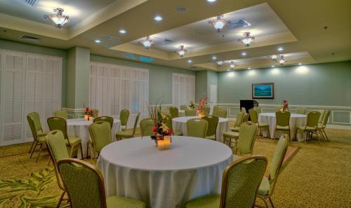 Hampton Inn & Suites North Charleston-University Boulevard in North Charleston
