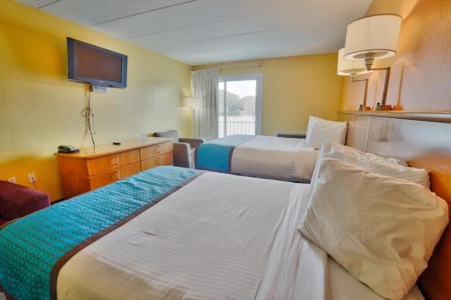 Seashire Inn & Suites Main image 1