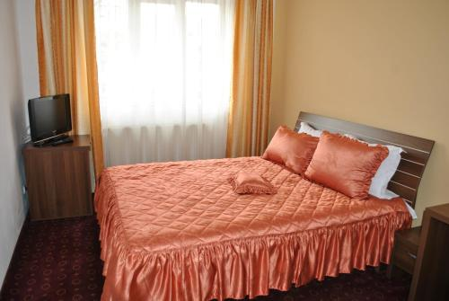Dormitor (6 adulţi) (Dormitory Room (6 Adults))