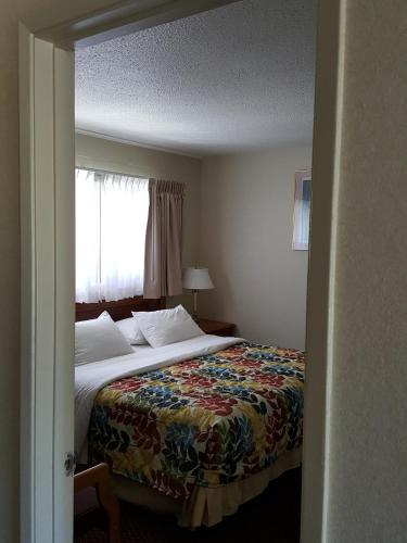 The Islander Motel - Santa Cruz, CA 95060