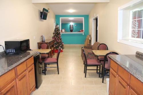 . American Inn & Suites