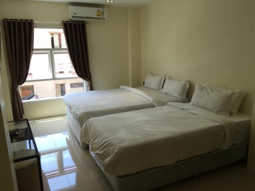 Au Bon Hostel photo 25