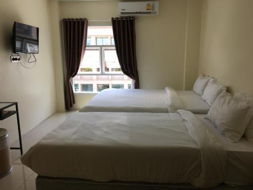 Au Bon Hostel photo 26