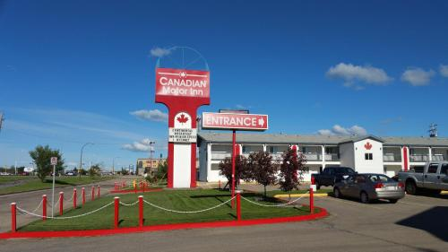 Canadian Motor Inn - Photo 8 of 47