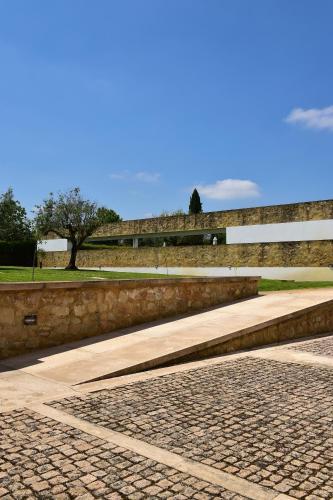 Mosteiro Sta Maria de Flor da Rosa, 7430-999 Crato, Portugal.