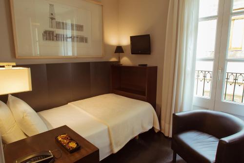 Hotel Banys Orientals photo 16