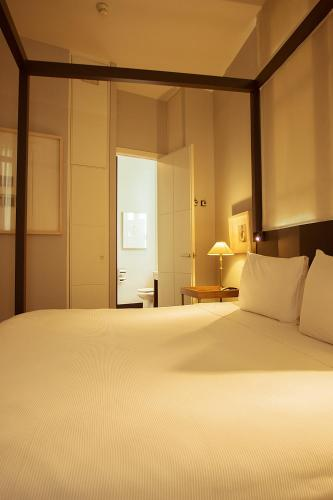 Hotel Banys Orientals photo 20