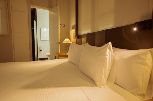 Hotel Banys Orientals photo 21