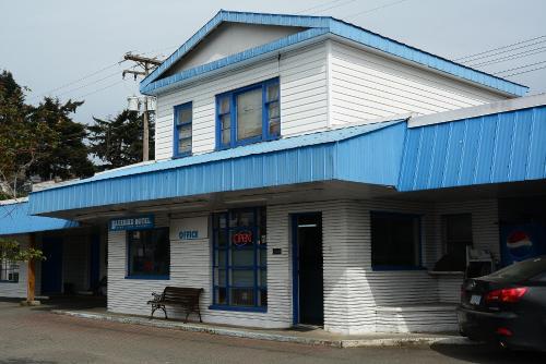 . Bluebird Motel