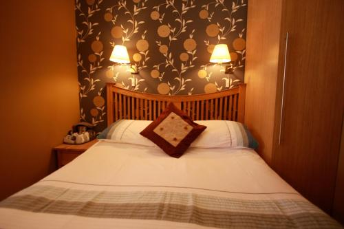 Brentwood Guest House (B&B)
