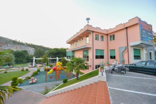 Luani A Hotel