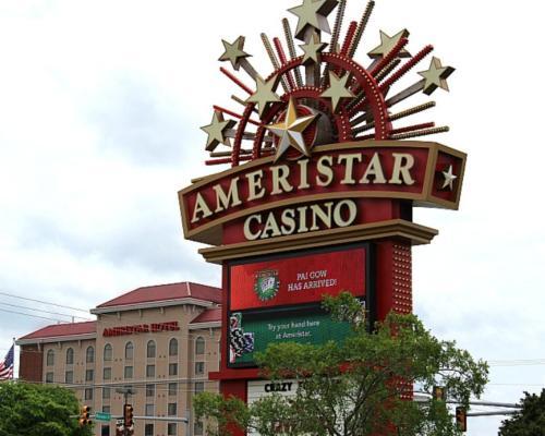 Swell Ameristar Casino Hotel Vicksburg In Ms Home Interior And Landscaping Ferensignezvosmurscom