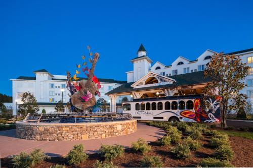2700 Dollywood Parks Boulevard, Pigeon Forge,Tennessee, United States.