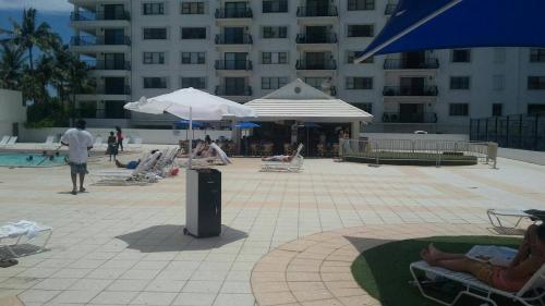 Ocean Front Apartment 2 - Miami Beach, FL 33140