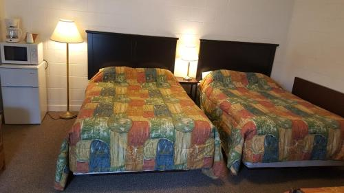 Centennial Motel - Kindersley, SK S0L 1S0