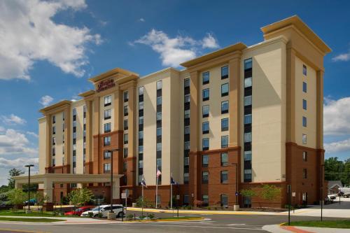 Hampton Inn & Suites Falls Church - Hotel
