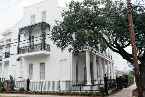2041 Prytania Street, New Orleans, Louisiana LA70130, United States.