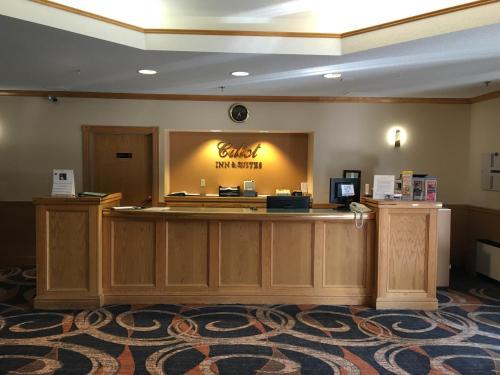 Cabot Inn & Suites - Lancaster, NH 03584