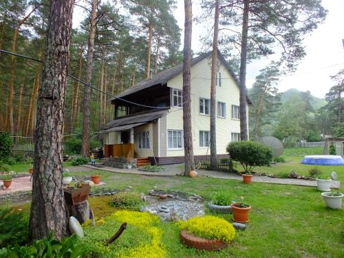 . Guesthouse V Sosnovom Boru