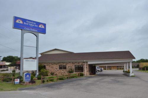 . Americas Best Value Inn Crosstimbers