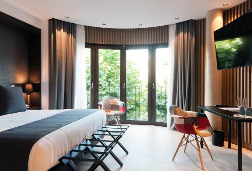 Superior Double Room Vila Arenys Hotel 12