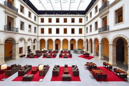 Rua do Hospital, 3500-161 Viseu, Portugal.