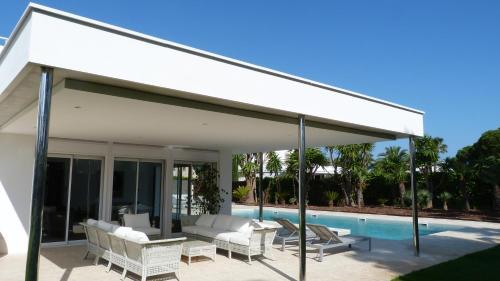 Luxury Beach House photo 3