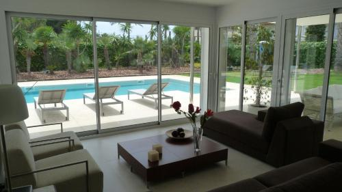 Luxury Beach House photo 7