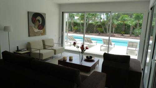 Luxury Beach House photo 8