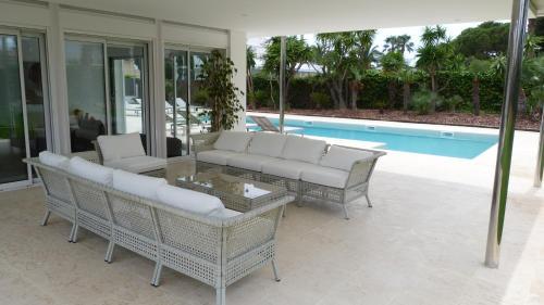 Luxury Beach House photo 16