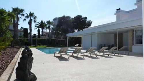 Luxury Beach House photo 18