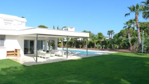Luxury Beach House photo 23