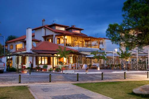 . Traditional Arsanas Apartments