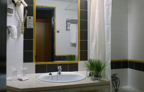 Fafe Flag Hotel (ex Comfort inn Fafe) фотографии номера