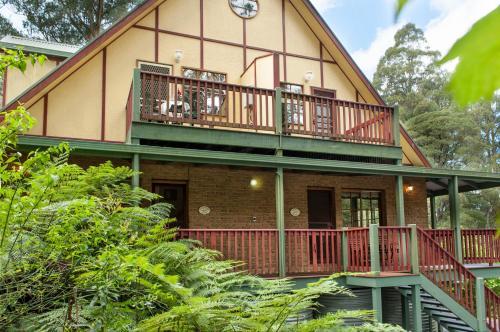 Mountain Lodge - Accommodation - Mount Dandenong