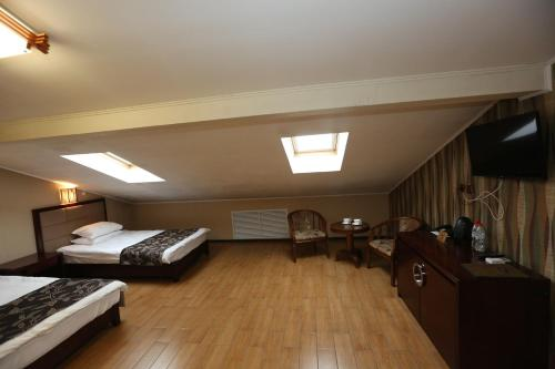 Superior Double or Twin Room with mansard