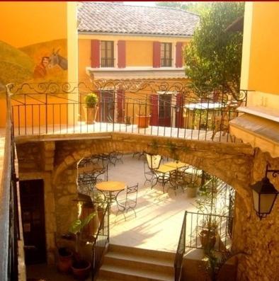 . Hotel l'Oronge