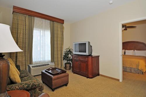 Homewood Suites By Hilton Denver West - Lakewood - Lakewood, CO 80228