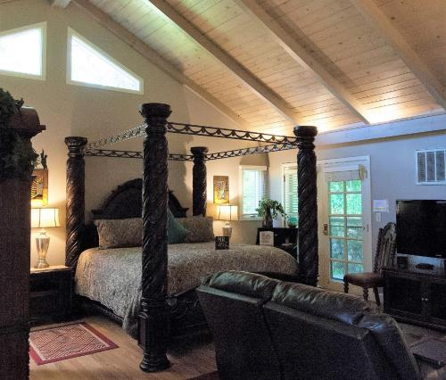 Foothill House - Accommodation - Calistoga