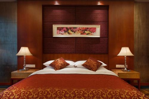 Kamar Deluxe Double dengan Bathtub (Deluxe Double Room with Bath)