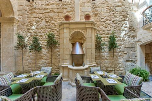 102 St. Ursula Street, Valletta, VLT 1234, Malta.