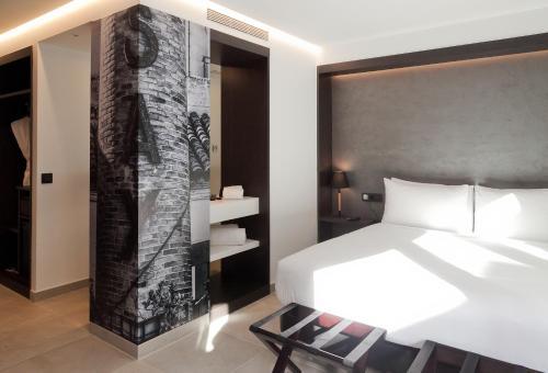 Double Room Vila Arenys Hotel 12