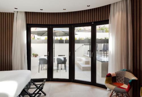 Superior Double Room Vila Arenys Hotel 16