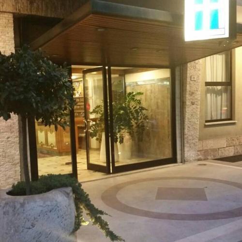 . Hotel Excelsior