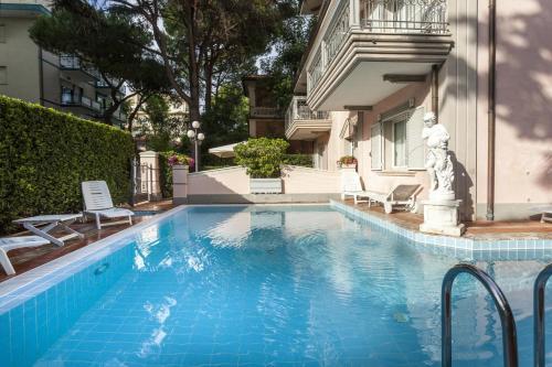 A residenza villa lidia aparthotel riccione for Cieffe arredi di chiappini federico rimini